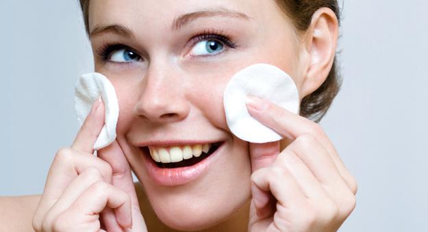 Природни средства за отстранување на шминка