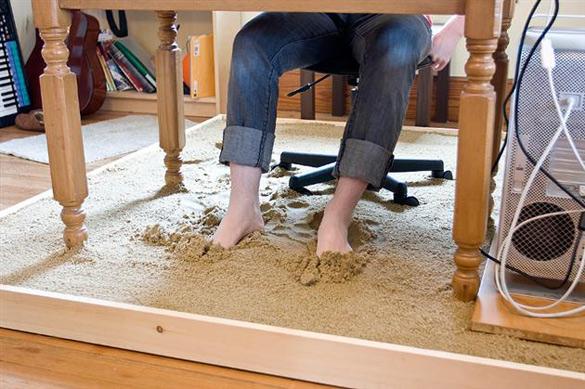 Домашна канцеларија со песочна плажа