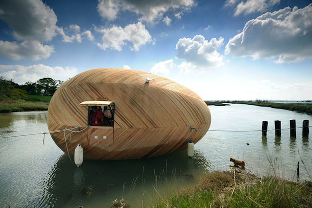 Пловечко засолниште во облик на јајце