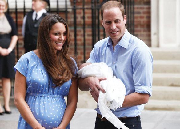 Првите фотографии од Кетрин и Вилијам со кралското бебе