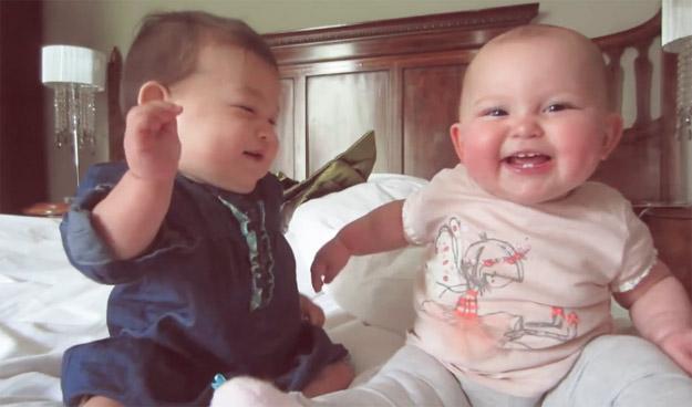 Најслаткиот бебешки разговор