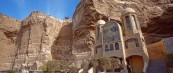 Несекјодневниот пештерски манастир во Каиро