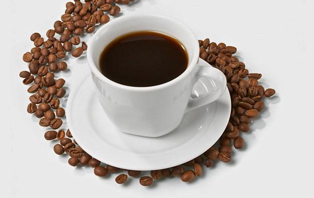 Тинејџерите треба да избегнуваат кафе  газирани сокови и енергетски пијалоци