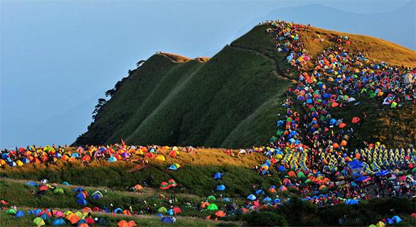 Масовен камп-фестивал во Кина