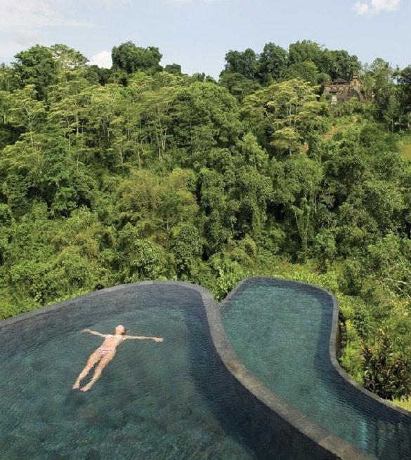 Луксузен ресорт во Бали со базен на две нивоа