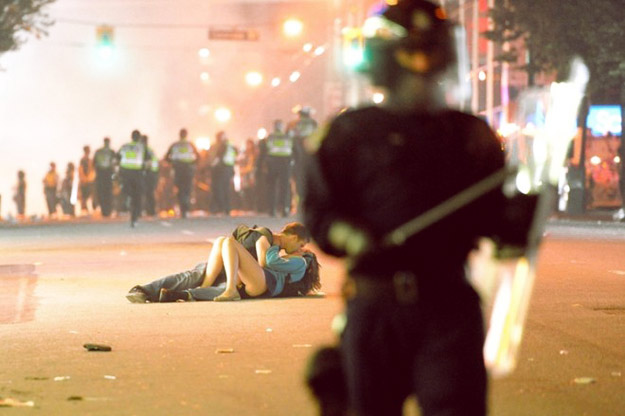 40 моќни фотографии кои ќе ве доведат до солзи