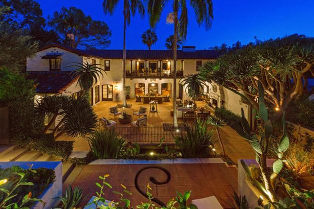 Роберт Патинсон ја продава својата куќа во Холивуд