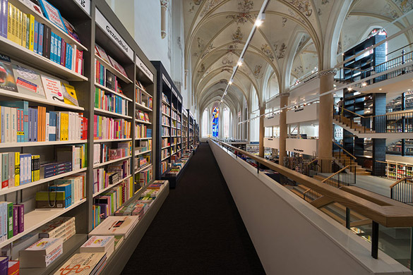 Church-Transformed-into-Bookstore-iLike-mk-14