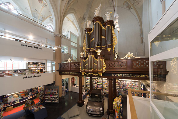 Church-Transformed-into-Bookstore-iLike-mk-15