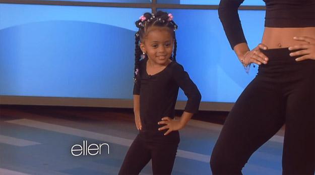 3-годишно девојче танцува како Бијонсе