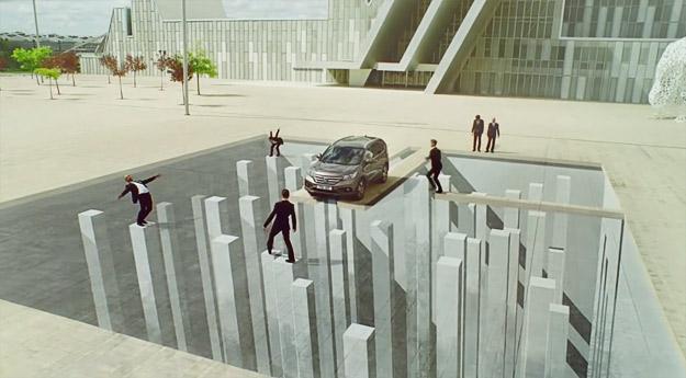 Видео реклама со оптички илузии за новата Honda CR-V