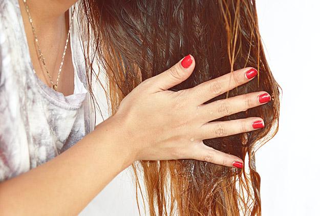 Регенератор за сува коса од три состојки