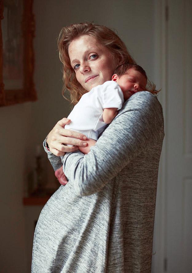 Скапоцени портрети на мајки со нивните штотуку родени бебиња