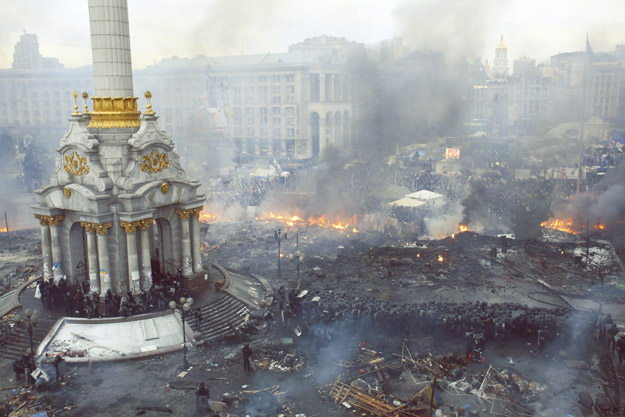 Немирите во Украина низ 10 вознемирувачки фотографии