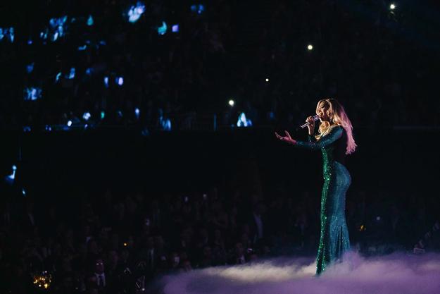 """Бијонсе ја отпеа """"XO"""" на """"Brit Awards 2014"""""""