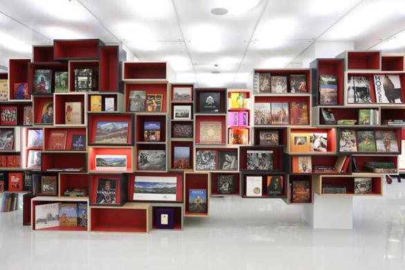 Oxford-Bookstore-in-New-Delhi-iLike-mk-002