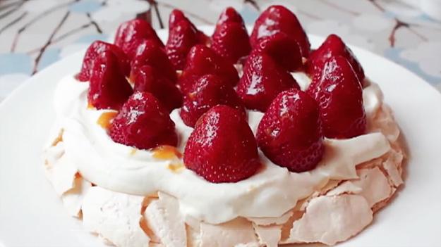 torta-jagodi-iLike-mk