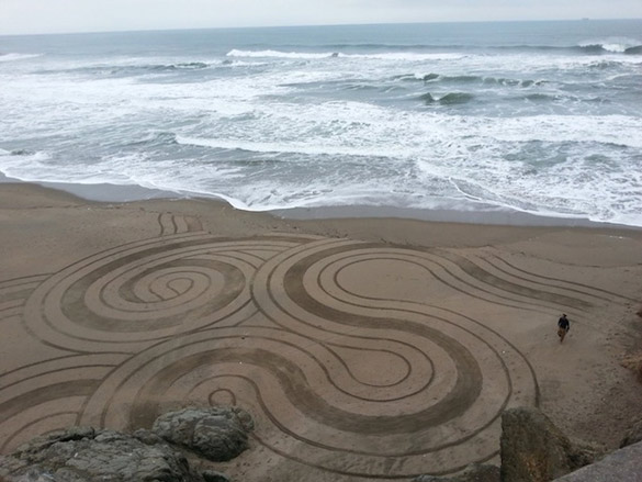 Sand-Paintings-by-Andres-Amador-iLike-mk-006