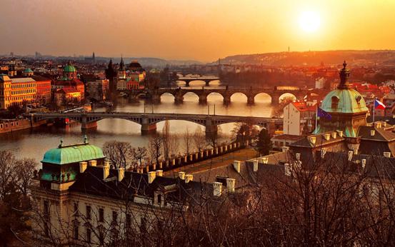 Мостовите над реката В'лтава