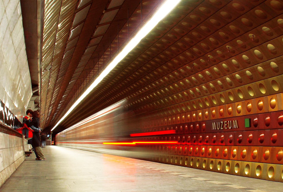 Подземната железничка