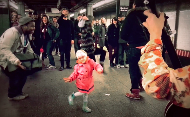 Dance-Show-in-NY-Metro-iLike-mk