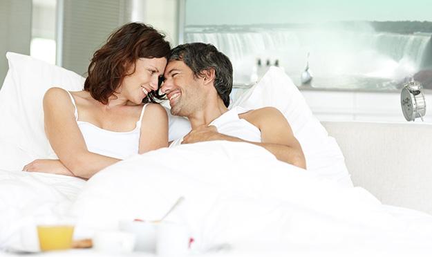 jadenje-vo-krevet