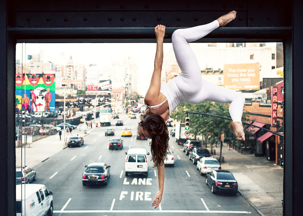 Anja-Humljan_urban_yoga-iLike-mk