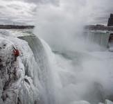 Climbing-Frozen-Niagara-Falls