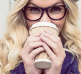 Stylish-girl-drinking-coffee-iLike-mk