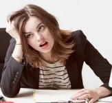 woman-stressed-at-work-iLike-mk