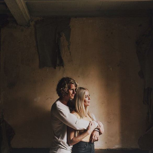 couple-traveling-around-world-photography-samuel-hildegunn-scandinavia-11-605x605