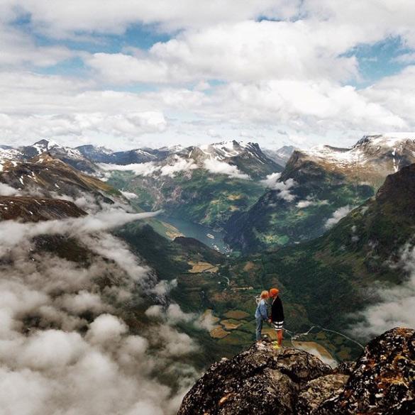 couple-traveling-around-world-photography-samuel-hildegunn-scandinavia-15-605x605
