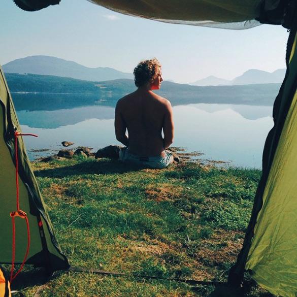 couple-traveling-around-world-photography-samuel-hildegunn-scandinavia-2-605x605