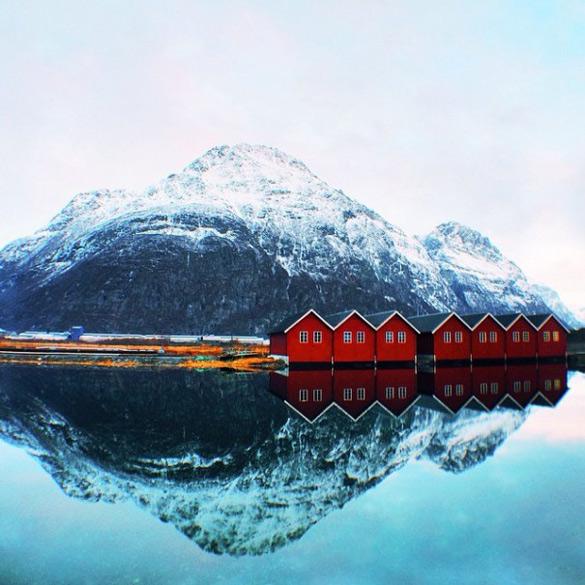 couple-traveling-around-world-photography-samuel-hildegunn-scandinavia-28-605x605