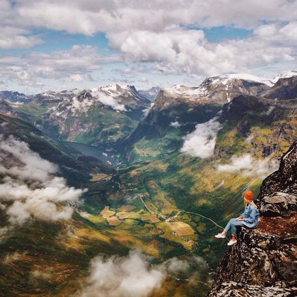 couple-traveling-around-world-photography-samuel-hildegunn-scandinavia-63-605x605