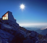 OFIS_ALPINE-SHELTER_PHOTO_ANDREJ-GREGORIC-iLike-mk