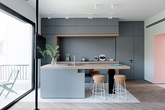 Small-apartment-remodel-in-Tel-Aviv-kitchen-island