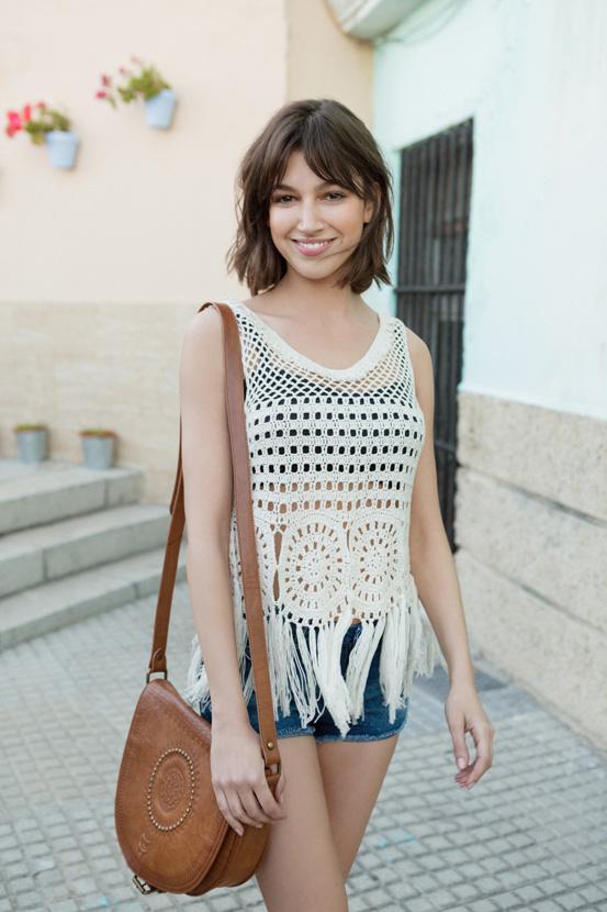 Уште еден тренд за летната сезона: Плетена блуза и шорцеви