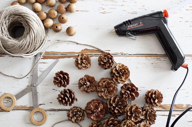 1freshome-pine-cone-garland