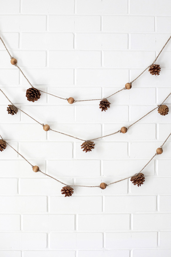 1freshome-pine-cone-garland2