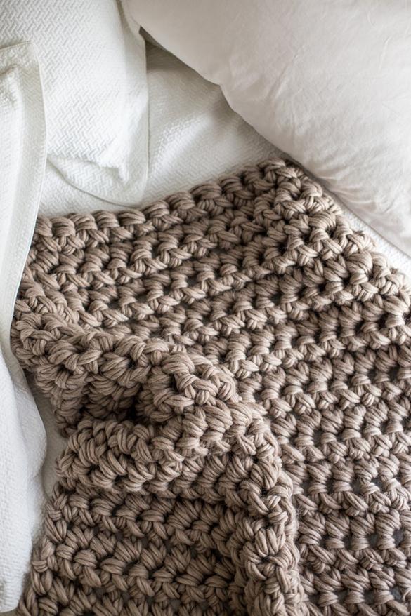 8freshome-diy-blanket1