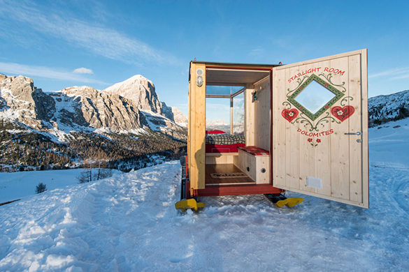 super-tiny-cabin-northeastern-italy-interior